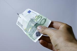 100 Euro Geldpreis mit Haken